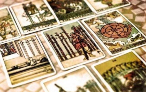 stawianie-kart-tarota